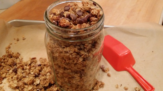 Almond Butter Chocolate Chip SLOW COOKER Granola. YES!