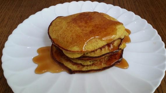 EASY gluten-free paleo pancakes.