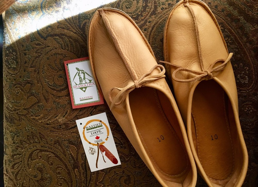 Earthing moccasins